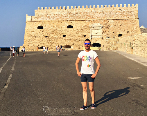 Friday is in LOVE With O: Molecule F Tee in Creta!