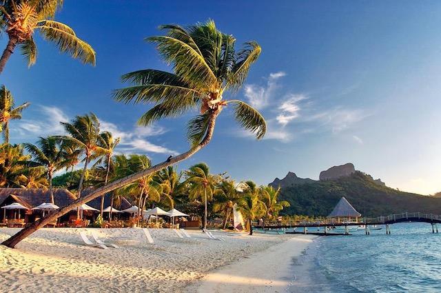 Invarte Globul si opreste-l cu travelmood.ro Bora Bora