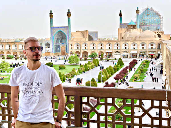Friday is in LOVE With O: Molecule F Tee in Esfahan, orasul celor 1001 de Nopti