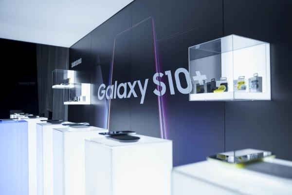Samsung a lansat in Romania gama Galaxy S10