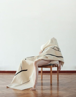 One Line Rug by Cosmiq