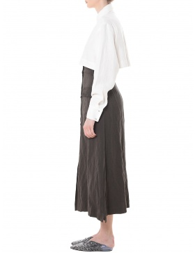 Trapezoidal skirt with slits