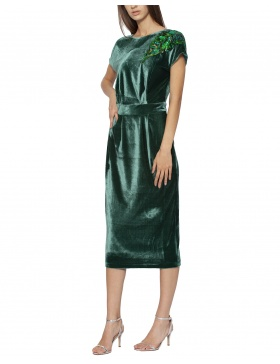 Velvet dress with sequins applique