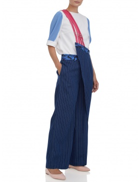 Wide leg trousers with one-shoulder suspenders