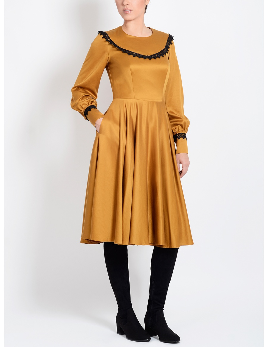 Charlotte Dress with Lace and Puffed Sleeves