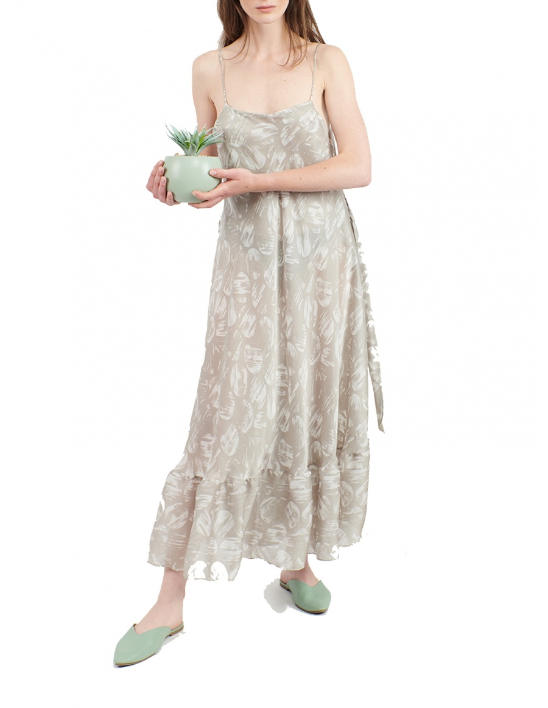 Feminine dress with graphic print