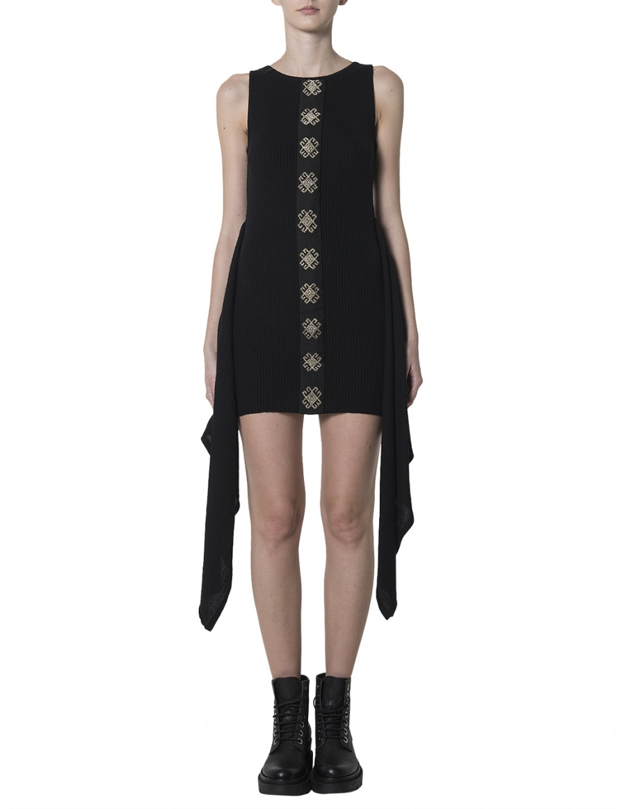 Knitted LBD with vintage embroidery applique