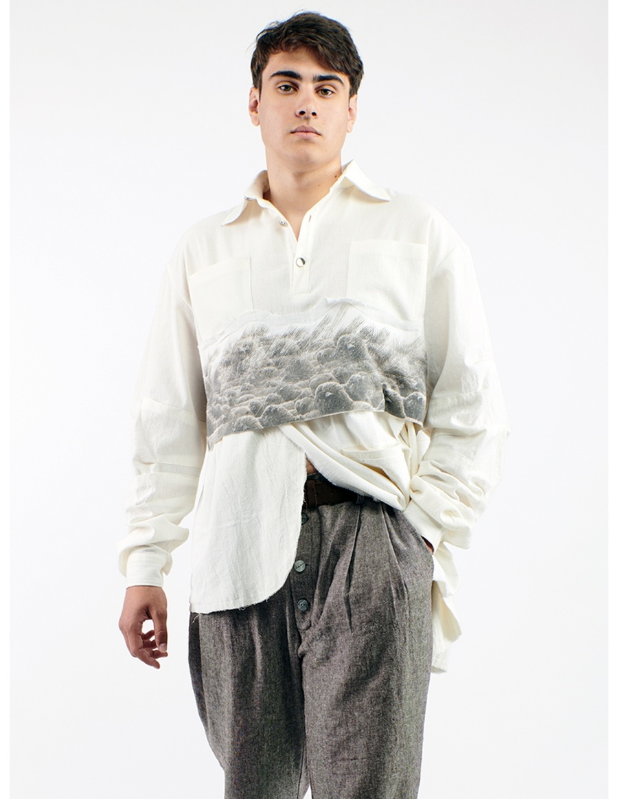 Unisex shirt printed with sheeps