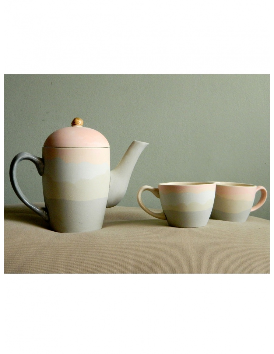 Pastel pastel teapot and tea cups set