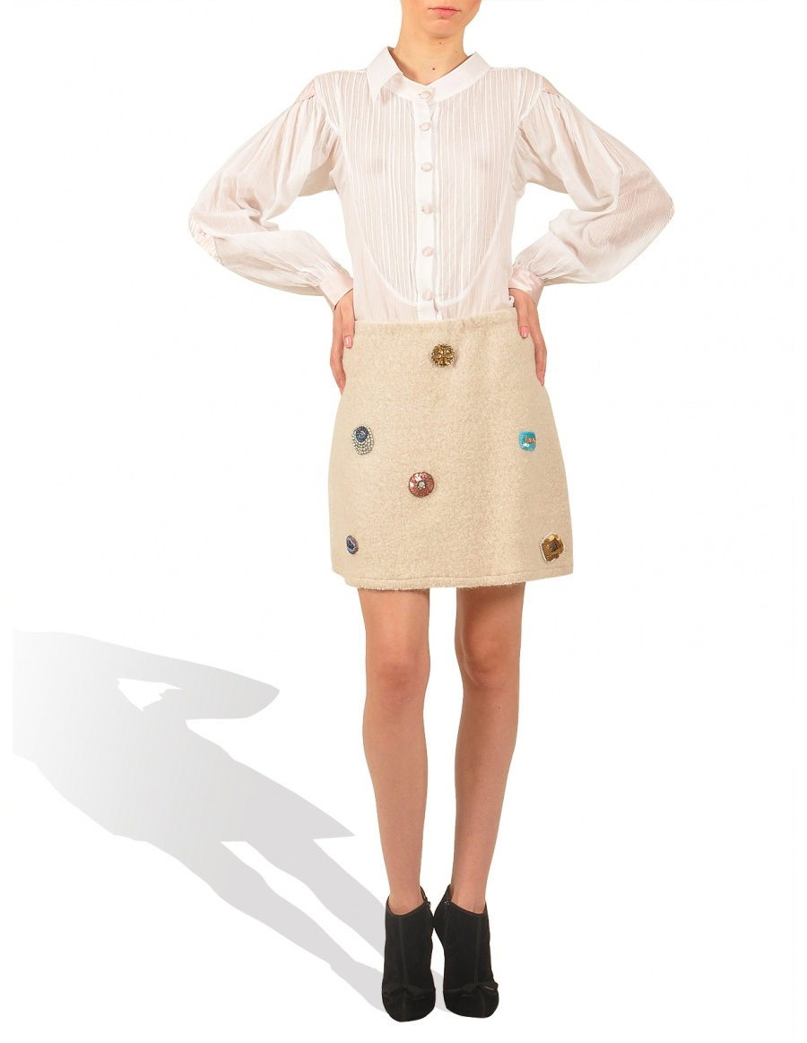 Wool skirt with embroidery