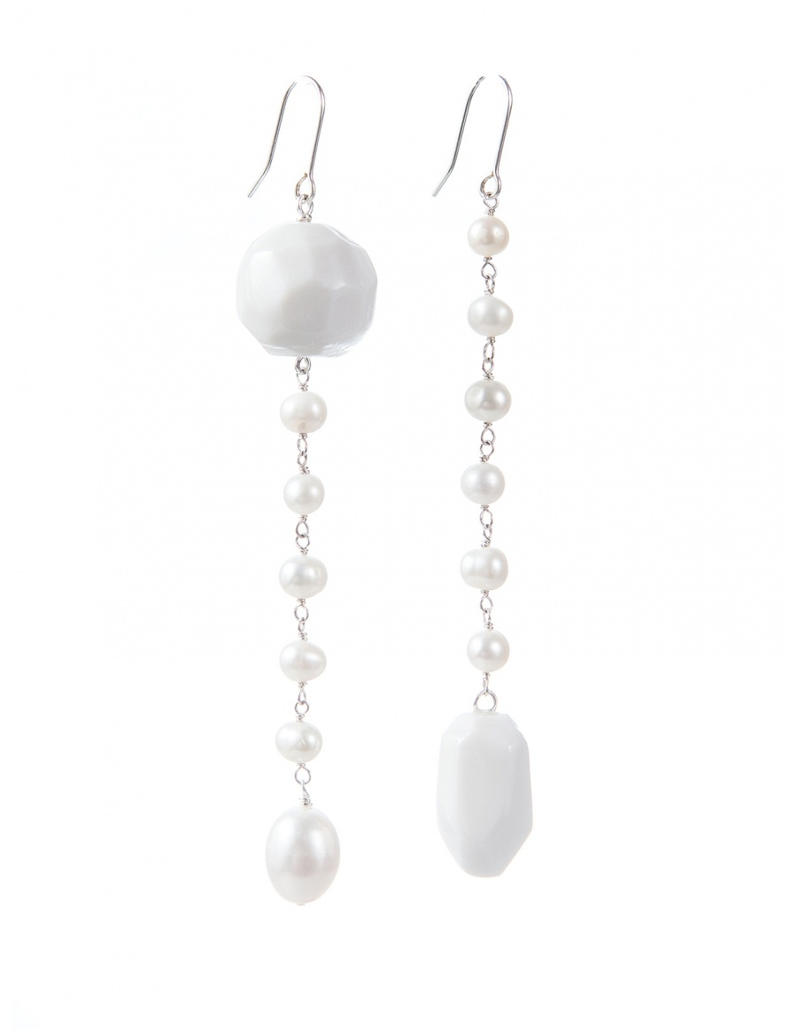 Porcelain and pearls earrings