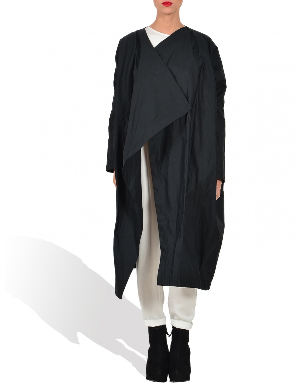 Geometric collar raincoat
