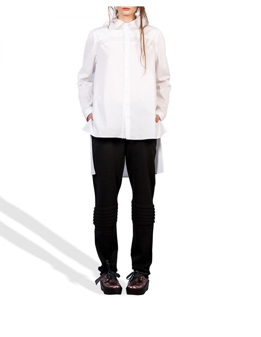 Shirt with knitted collar