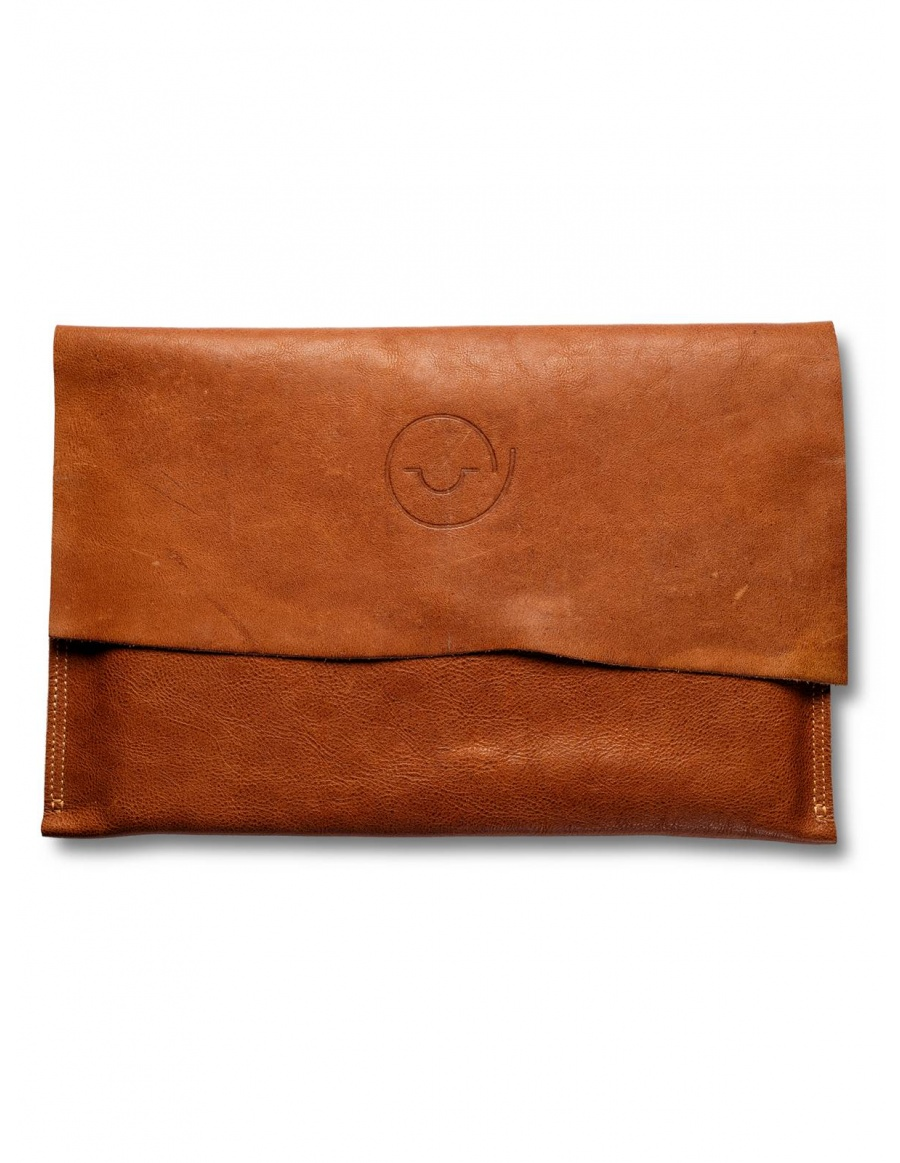 Leather laptop sleeve - brown