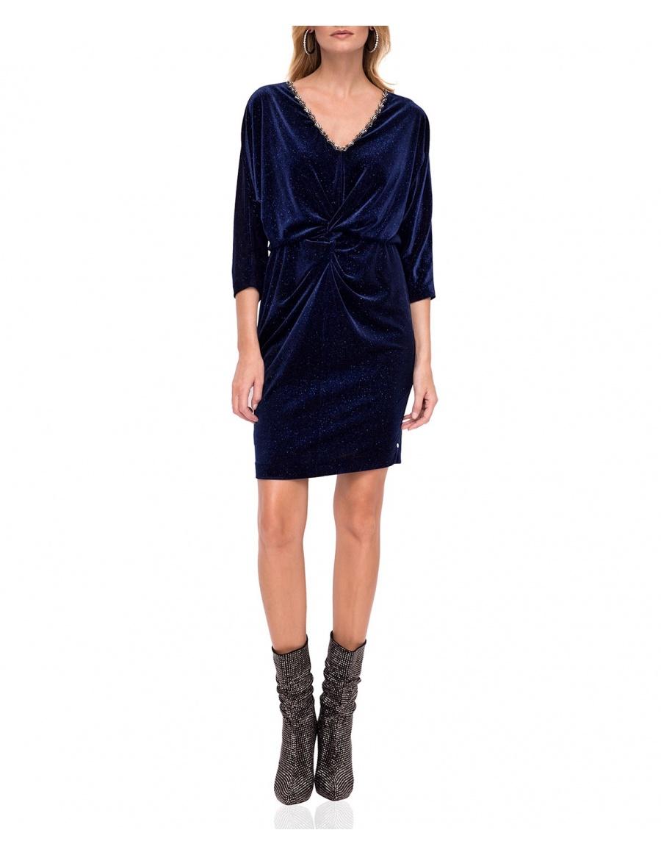 Elegant velvet dress with V neckline