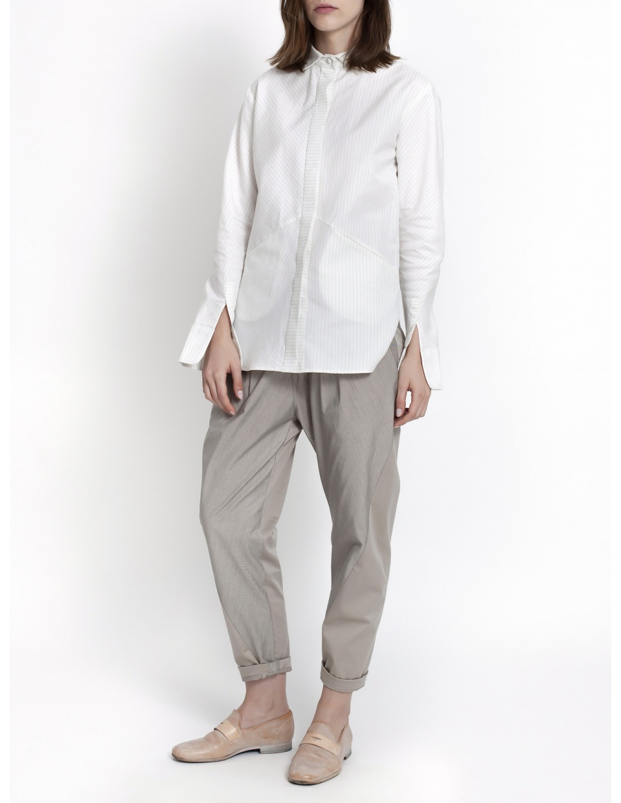Beige trousers with stripes
