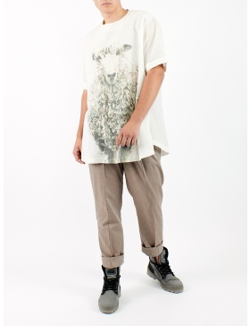 Unisex oversized t-shirt with drawn sheep