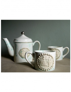 Miss Cameo Teapot and tea cups set
