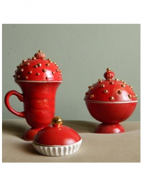 Perfect Red teapot and tea cups set