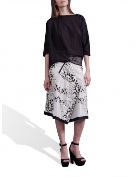 Digitally printed white skirt