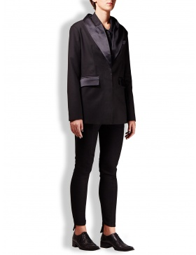 Black blazer with lapels and pockets