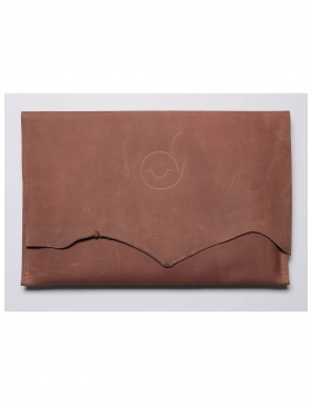 Leather laptop sleeve - beige