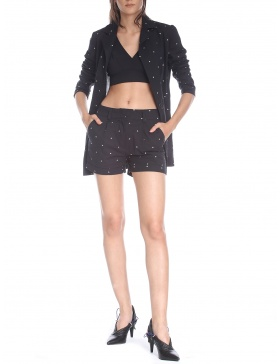 Short pants with embroidery
