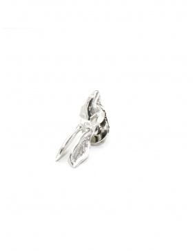 Small rabbit lapel pin