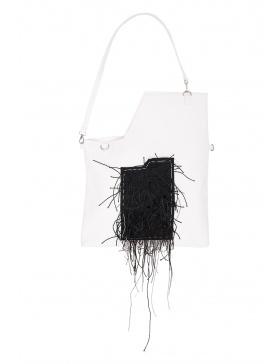 Geanta alba cu buzunar negru texturat